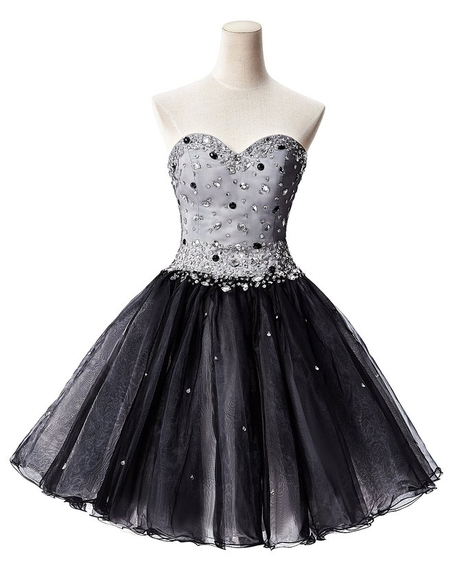 Sweetheart Neck Short Tulle Black Homecoming Dresses Crystals Beaded Party Dresses
