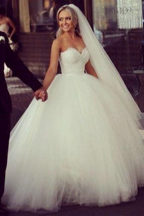 White Ball Gown Tulle Wedding Dresses Sweetheart neck Lace Appliques Women Dresses