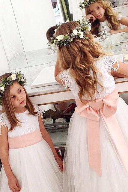 2019 Lovely White Tulle Short Flower Girl Dress