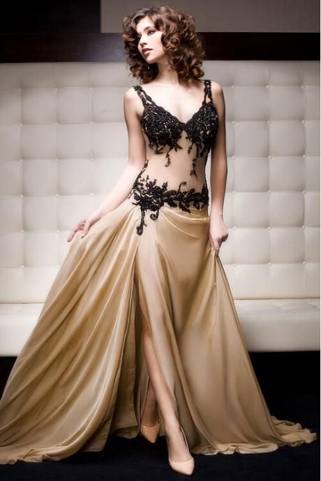 Champagne Chiffon Prom Dresses V-neck Appliques Floor Length Party Dresses