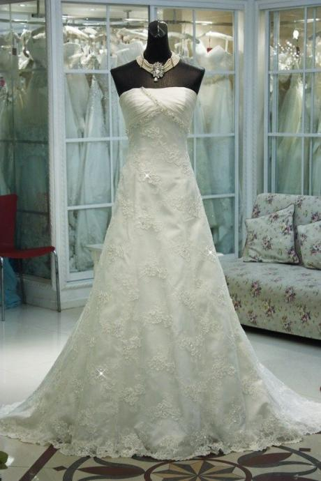 Charming A-line Lace Bridal Gowns Floor Length Strapless Floor Length Wedding Dresses Custom Made 2016