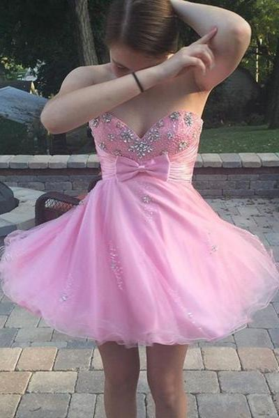 Lovely Short Tulle Homecoming Dresses Sweetheart Neck Crystals Beaded Party Dresses Custom Made