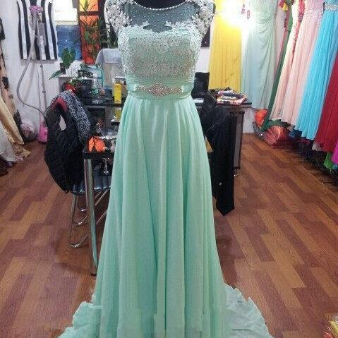 Women's Long Chiffon Green Prom Dresses Scoop Neck Appliques Party Dresses